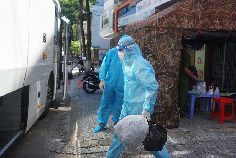 Di dời khẩn cấp 17 hộ dân ở khu vực 5 ca dương tính Sars-CoV-2 sinh sống 5