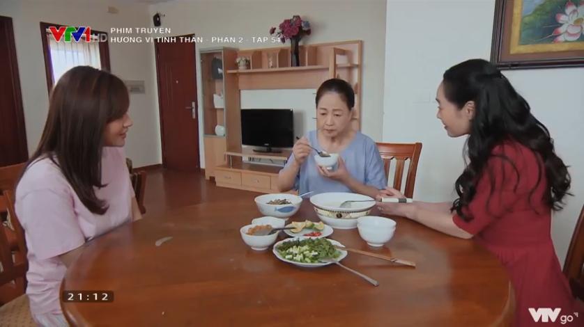 'Hương vị tình thân' tập 53 (p2): Đỉnh như mẹ chồng là bà Xuân, thấy Nam ở chật chội, dẫn ngay con dâu đi xem nhà 10
