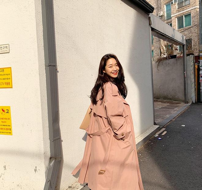 Lạnh thế này diện trench coat là 'perfect', nhưng không phải chị em nào cũng biết mix đồ cho thời thượng đâu nhé! 17