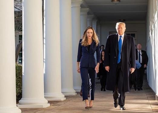 Cô con dâu tài sắc vẹn toàn của Tổng thống Trump, là 'cánh tay đắc lực' cho bố chồng 3