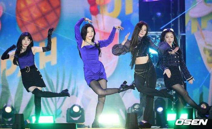 Kang Daniel, Tiffany (SNSD), Red Velvet rủ nhau đi 'trẩy hội' âm nhạc: Dập dìu tài tử giai nhân! 20