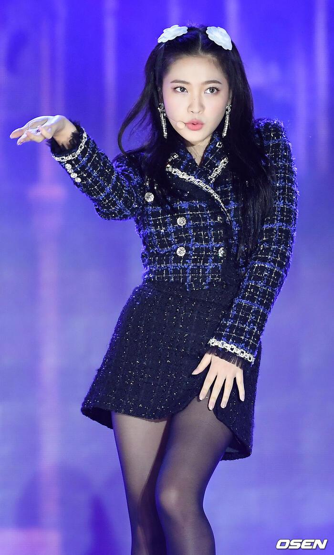 Kang Daniel, Tiffany (SNSD), Red Velvet rủ nhau đi 'trẩy hội' âm nhạc: Dập dìu tài tử giai nhân! 27