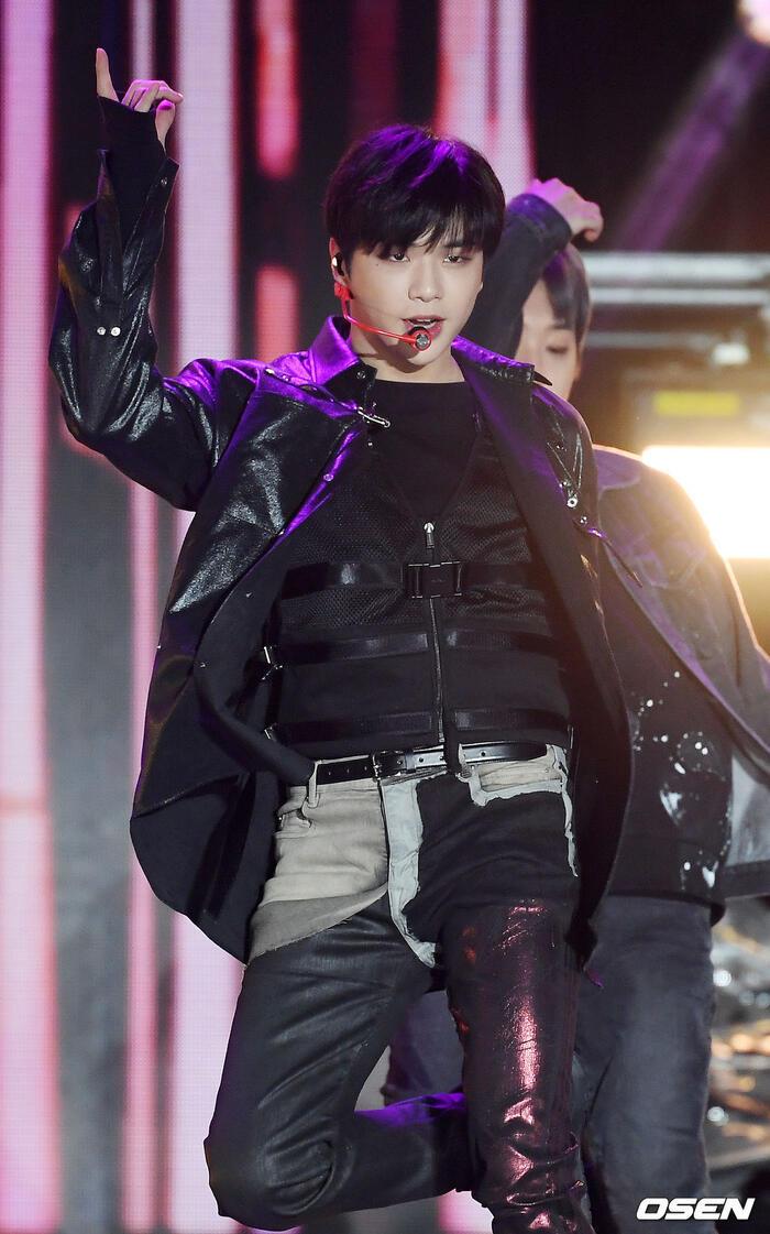 Kang Daniel, Tiffany (SNSD), Red Velvet rủ nhau đi 'trẩy hội' âm nhạc: Dập dìu tài tử giai nhân! 33