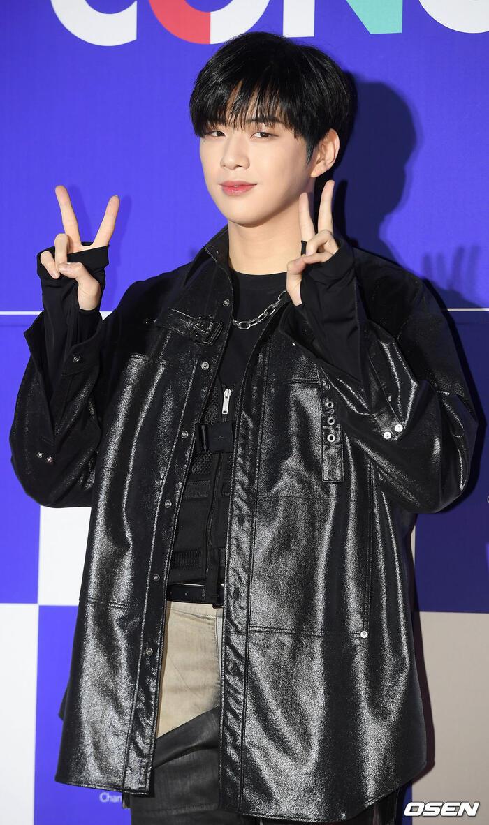 Kang Daniel, Tiffany (SNSD), Red Velvet rủ nhau đi 'trẩy hội' âm nhạc: Dập dìu tài tử giai nhân! 34