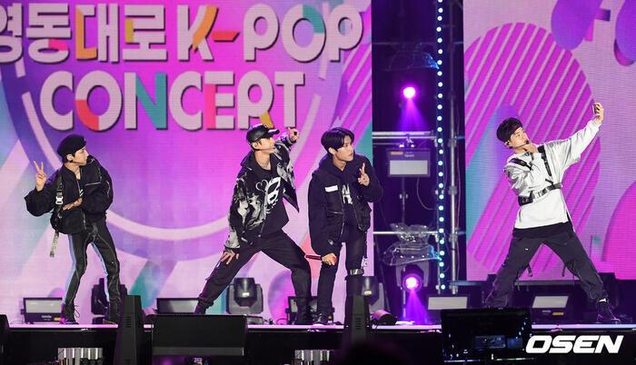 Kang Daniel, Tiffany (SNSD), Red Velvet rủ nhau đi 'trẩy hội' âm nhạc: Dập dìu tài tử giai nhân! 54