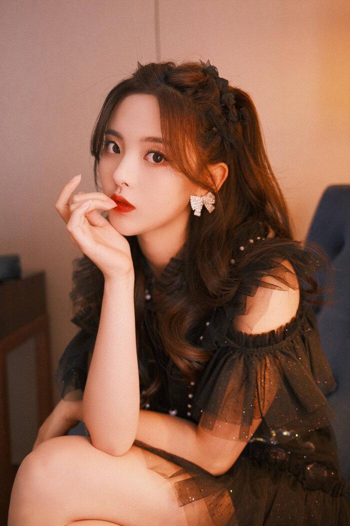 Dương Siêu Việt tự gọi mình là 'Cinderella', cho rằng diễn xuất không kém bất cứ ai 1
