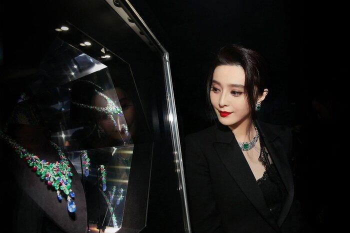 Phạm Băng Băng đeo trang sức đắt tiền khi tham dự event của hãng trang sức lâu đời Cartier
