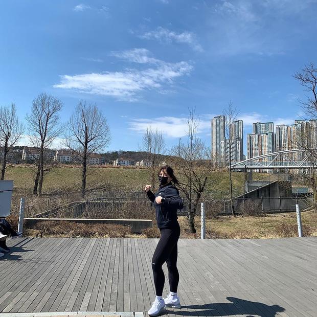 Soi kỹ từ những chia sẻ hàng ngày, phát hiện ra 'thánh ăn' Yang Soo Bin đã ngầm hé lộ 4 tips giúp cô giảm tới 45kg sau hơn 1 năm 18