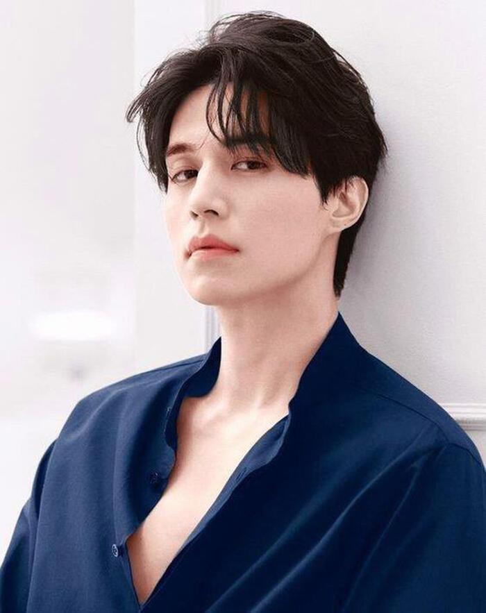 Ở tuổi 38, sự nghiệp Lee Dong Wook không ngừng thăng tiến với nhiều vai diễn khác nhau.