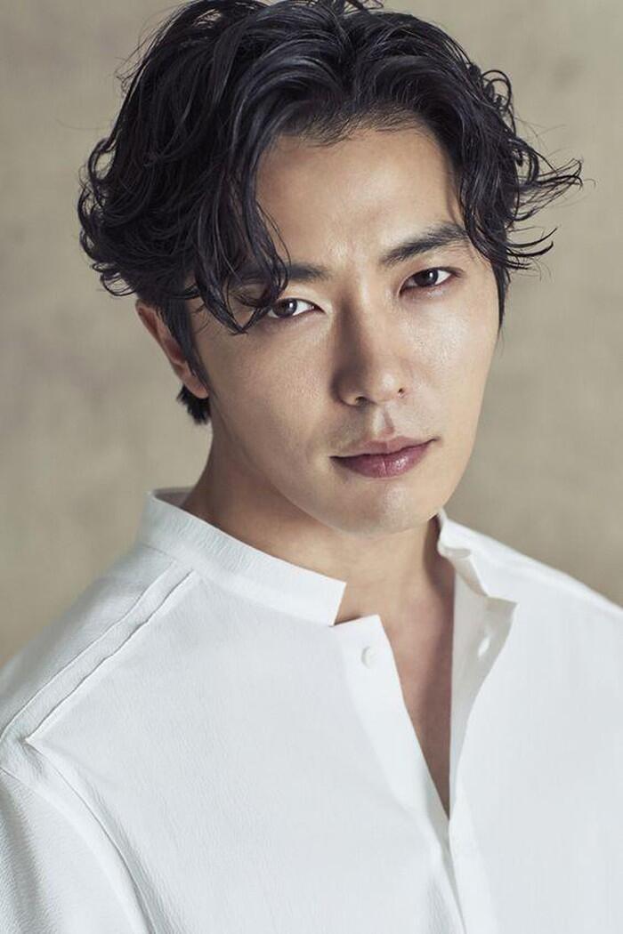 Kim Jae Wook được xem là mỹ nam sở hữu vẻ ngoài quyến rũ vạn người mê.