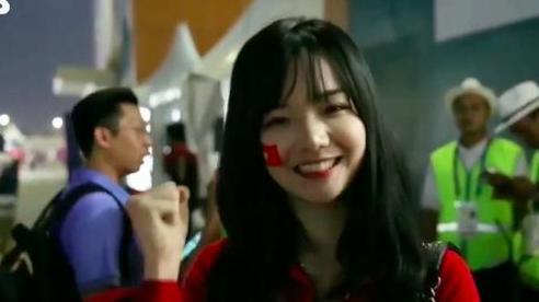 CĐV Việt Nam gây sốt khi xuất hiện trên truyền hình Hàn Quốc vì quá xinh xắn, đáng yêu