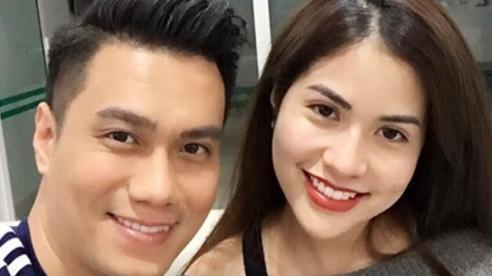 Hôn nhân của Việt Anh đang rạn nứt khi cả hai vợ chồng đều đổi trạng thái thành 'Độc thân'?