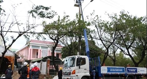 EVN sử dụng máy phát điện diesel để điều hành công tác cứu hộ tại Nam Trà My