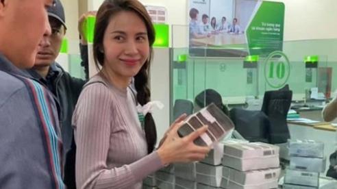 Thủy Tiên lên tiếng vụ cán bộ thôn thu lại hơn 400 triệu tiền từ thiện