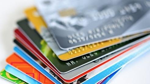 Từ năm 2021, khi nhận lương qua thẻ ATM, người lao động cần chú ý gì?