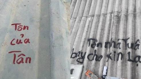 Người dân Lý Sơn viết hẳn tên mình lên mái tôn, đề phòng bão thổi bay nóc vẫn tìm lại được