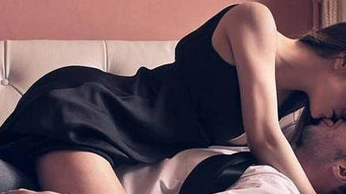 Lên giường phụ nữ biết tạo 'ma trận yêu' kiểu này mỗi đêm đảm bảo đàn ông cứng rắn cỡ nào cũng phải 'tan chảy' vì bạn