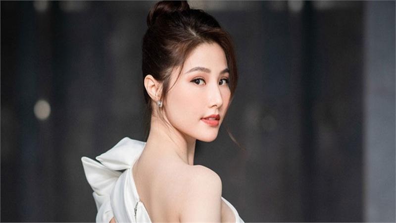 Diễm My 9x được khen hết lời vì cử chỉ đẹp với nhân viên đoàn phim 'Tình yêu và tham vọng', hành động tưởng chỉ phổ biến với sao Hoa, Hàn