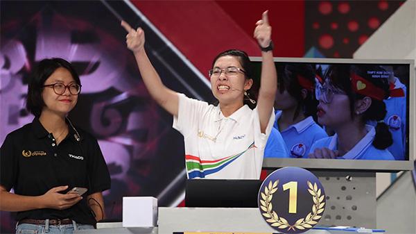 Tranh cãi dữ dội về 'thái độ' của quán quân Olympia ở trận chung kết