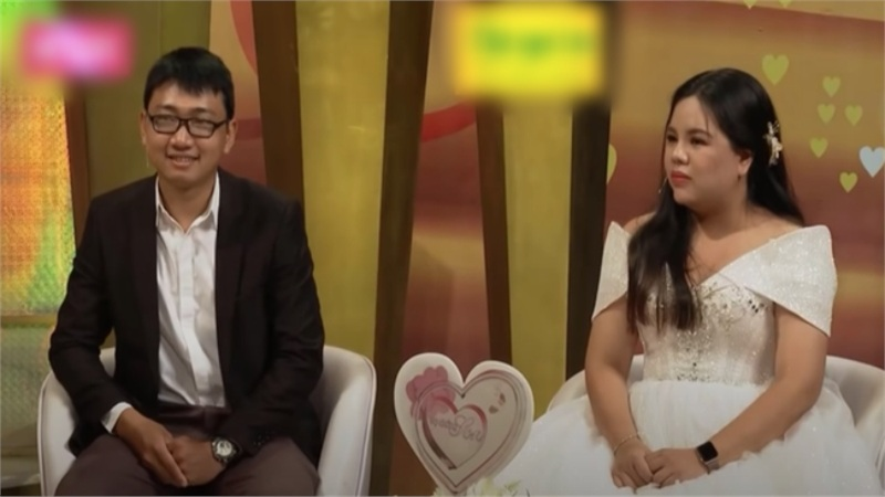 'Vợ chồng son': Nam khách mời lên truyền hình kể vợ sửa mũi, sửa cằm, bao nhiêu cái xấu nằm trên mặt vợ hết