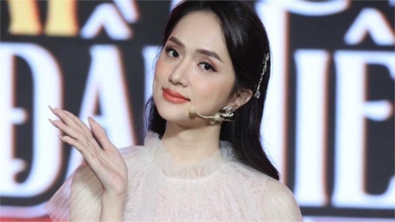 Hương Giang: 'Tôi có độn một số chỗ khác trên người nhưng không hề sửa mặt'