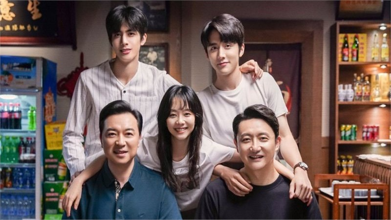'Lấy danh nghĩa người nhà' đạt điểm Douban cao ngoạn mục: Cốt truyện lạ, diễn viên tốt, quan trọng là cái 'duyên' với khán giả