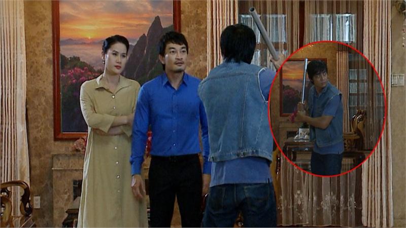 'Vua bánh mì' tập 26: 'Không ai cho lương thiện', Hữu Nguyệnleo rào đột nhập nhà bà Khuê để trả thù