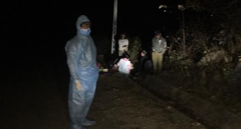 Chốt chặn COVID-19 bắt 9 đối tượng 'lội suối' nhập cảnh vào Việt Nam