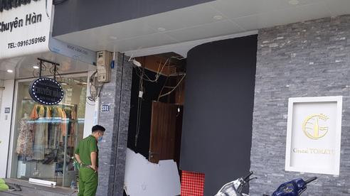 Nghi nổ bình ga trên phố Kim Mã, 3 người bị thương