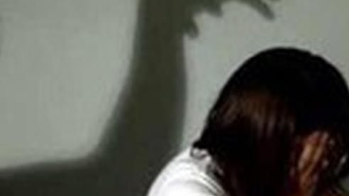 Vụ thiếu niên 'nghiện' phim 'đen' hiếp dâm bé gái: Bất ngờ lời khai của 'yêu râu xanh'