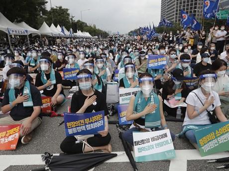 Tổng thống Hàn Quốc chỉ thị xử lý nghiêm cuộc đình công của các bác sỹ