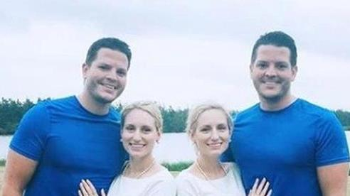 2 cặp vợ chồng song sinh mang thai cùng thời điểm