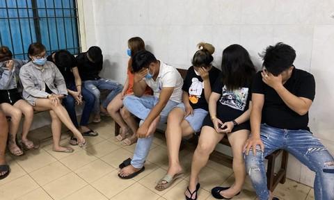 Hàng chục 'dân chơi' phê ma túy trong quán karaoke Alibaba ở Sài Gòn
