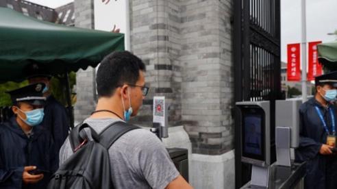 Các trường đại học Trung Quốc làm thế nào mở cửa an toàn sau dịch COVID-19