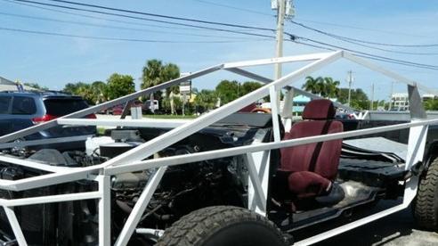 Bản sao Tesla Cybertruck đang được bán đấu giá trực tuyến
