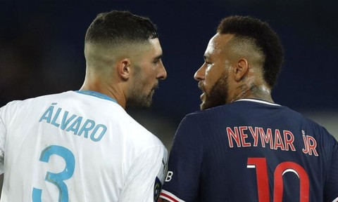 Neymar có thể bị treo giò 7 trận vì lỗi đánh nguội