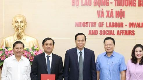 Công bố quyết định của Thủ tướng Chính phủ bổ nhiệm tân Thứ trưởng Bộ LĐ-TBXH
