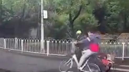 Phì cười trước vụ tai nạn mang tên 'định mệnh' ở Trung Quốc