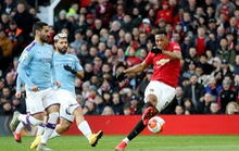 Đại gia Manchester đua suất Champions League