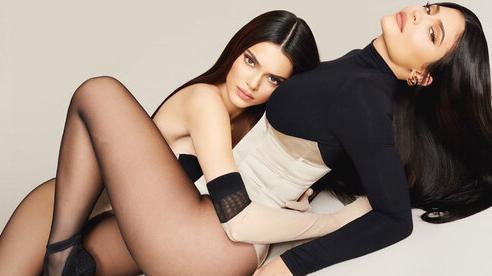 Chân dài triệu đô Kendall Jenner cùng Kylie trình làng BST makeup xịn sò