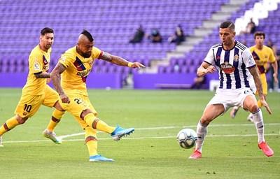 Vòng 36 La Liga: Barca thắng tối thiểu Valladolid