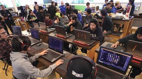 Bỏ học phí đắt đỏ vào trường eSports, nam game thủ đắng lòng khi phải học lại do trượt môn 'game sinh tồn'
