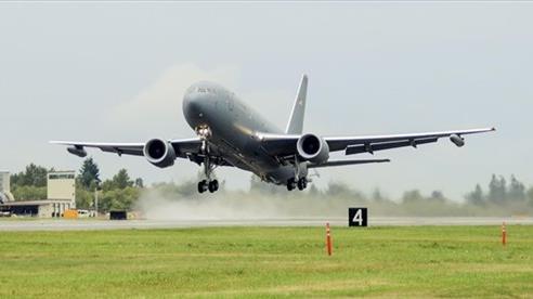 Mỹ biến KC-46A tiếp dầu thành máy bay đánh chặn