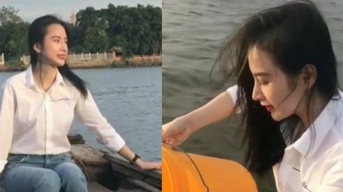 Lộ diện sương sương trong clip mới, Angela Phương Trinh gây sốt với visual giản dị: Góc nghiêng xinh động lòng người!