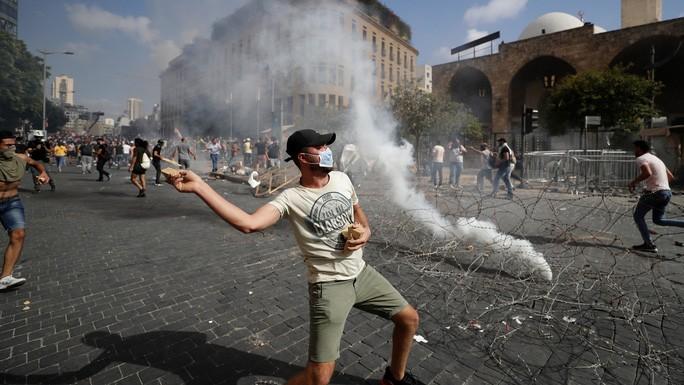 Biểu tình dâng cao tại Beirut. Ảnh: AP