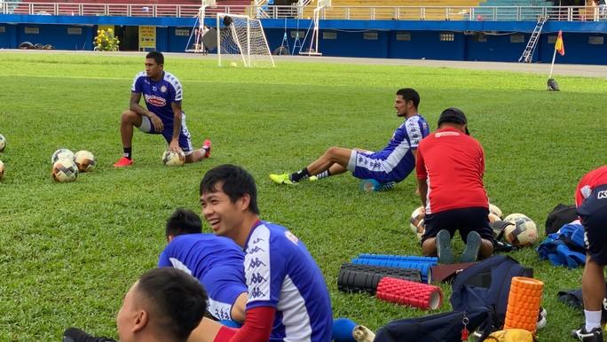 Công Phượng ngồi ngoài trong ngày cặp tiền đạo Ariel Rodriguez và Guillermo Ortiz ra mắt CLB TP HCM