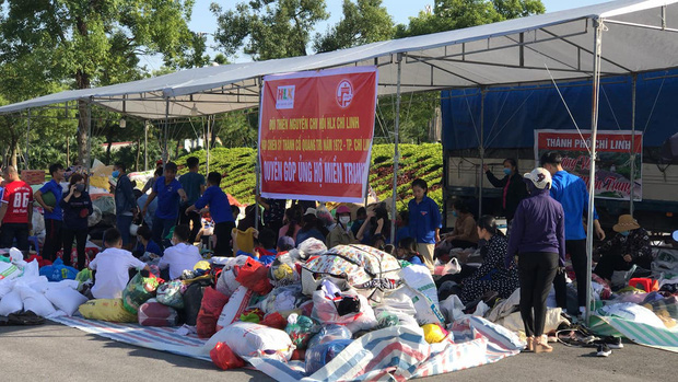 Hội lái xe Chí Linh, Hải Dương tổ chức quyên góp quần áo, đồ dùng sinh hoạt ủng hộ miền Trung