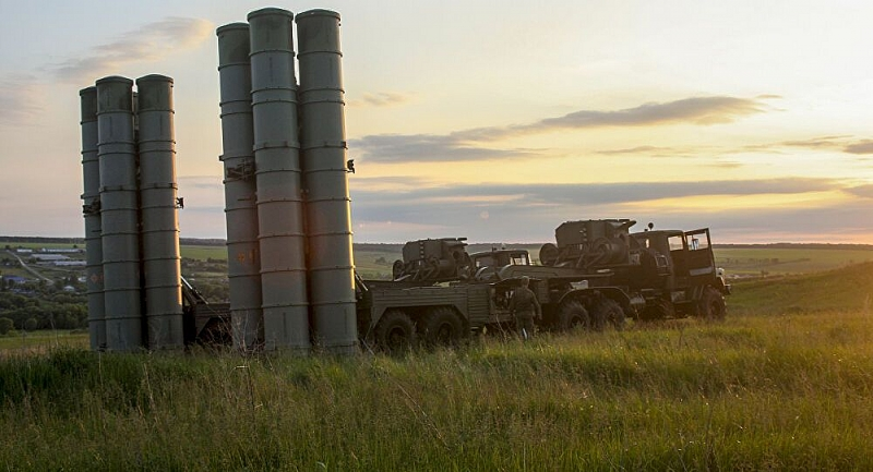 Phòng không Nga được trang bị hệ thống tên lửa phòng không S-300V4. (Nguồn: Sputnik)