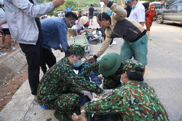 Những người gặp nạn đều được đưa đến bệnh viện huyện Nam Trà My cấp cứu