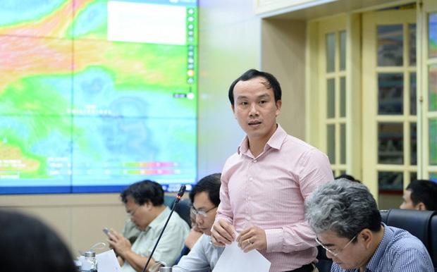 Theo TS Hoàng Phúc Lâm, mặc dù bão Goni chưa tiến vào Biển Đông nhưng bão này có hướng đi rất phức tạp, lúc theo hướng Bắc, lúc lại xuống Đông với cường độ mạnh.